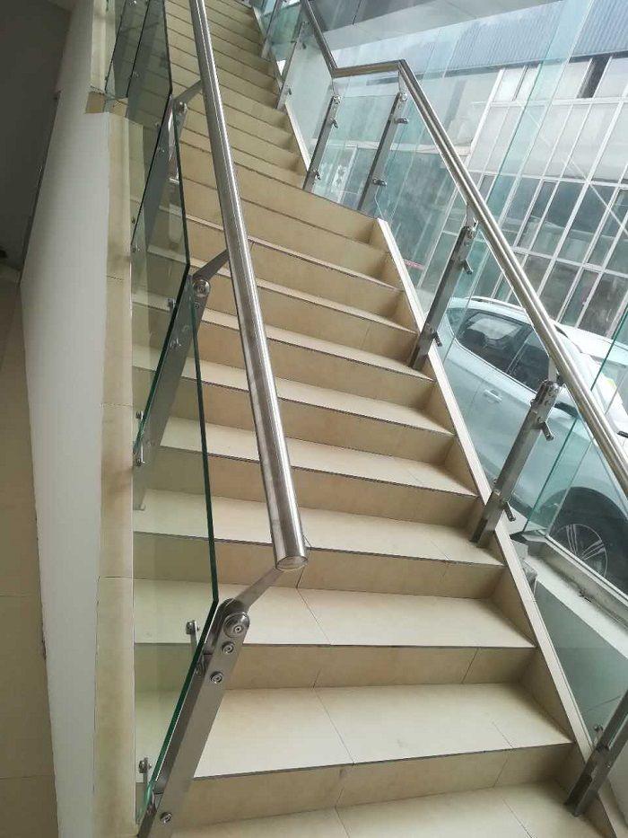 不锈钢玻璃扶手  案例