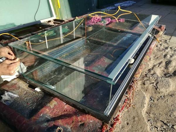化妆品用的玻璃展柜用多厚的玻璃?