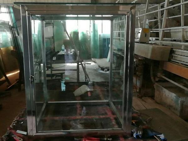 钢化玻璃展柜的制作