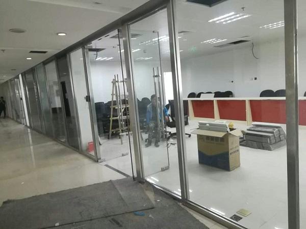 在装修中如何选择各种规格玻璃