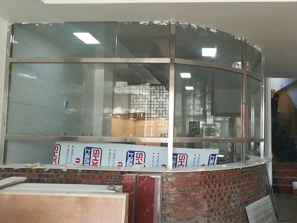 圆弧玻璃明档饭店出菜口