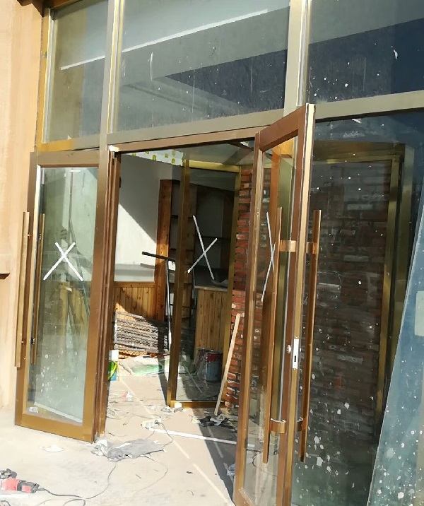 肯德基不锈钢玻璃门(玫瑰金门框)